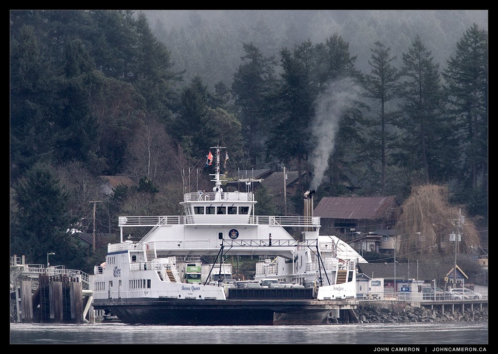 Skenna Queen leaves Fulford Harbour