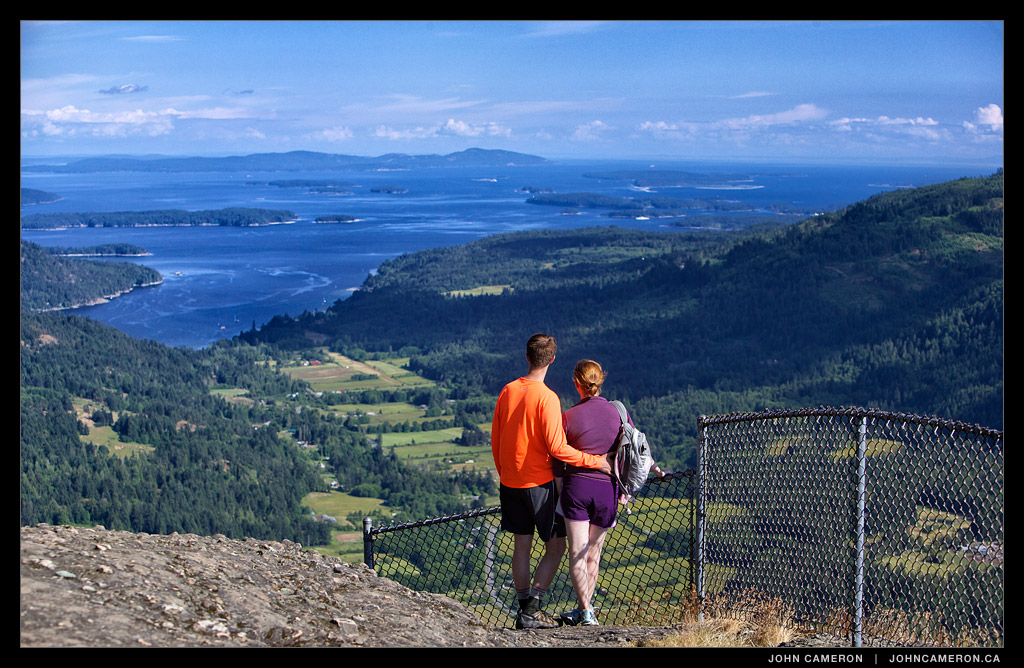 Tourists at Mount Maxwell Lookout