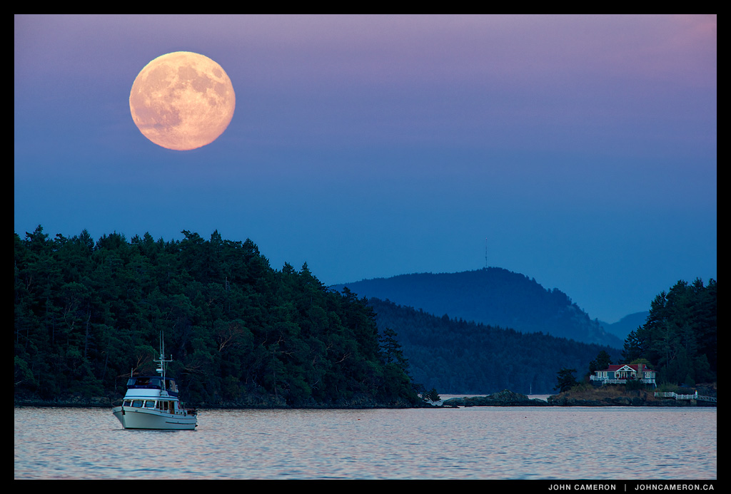Supermoon at Ganges, August 10, 2014