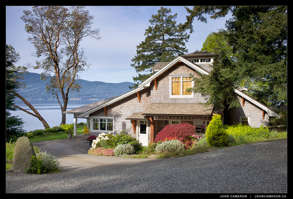 South Facing low bank Oceanfront Home on Salt Spring Island