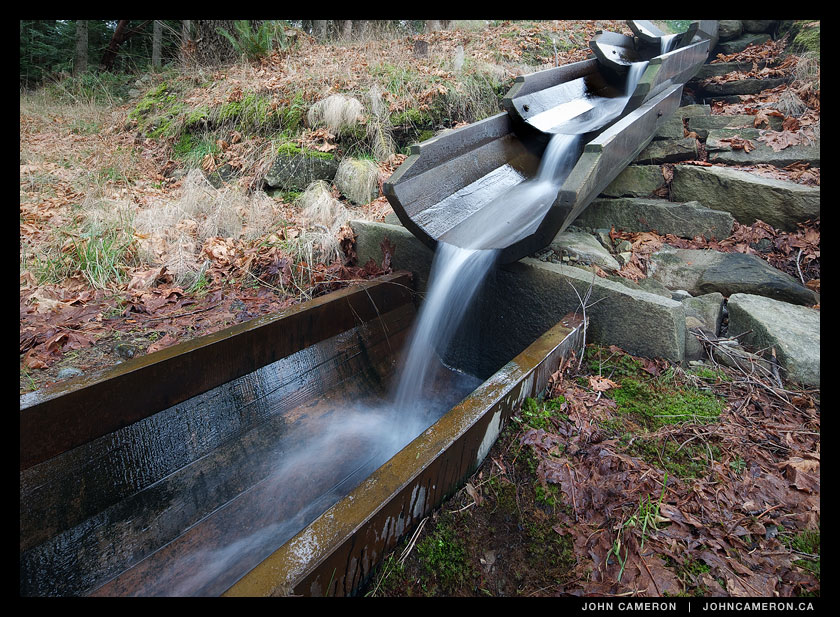 Clever Cascading Water Flue