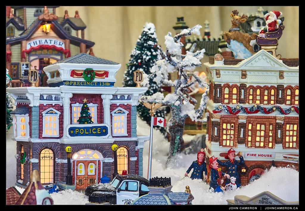 Mouat's Christmas Window 2014