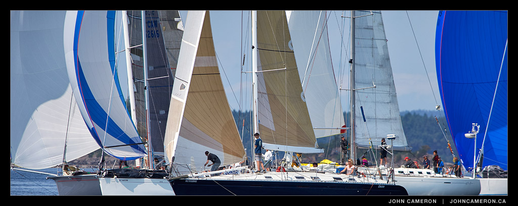 Close quarters during Round Saltspring 2015