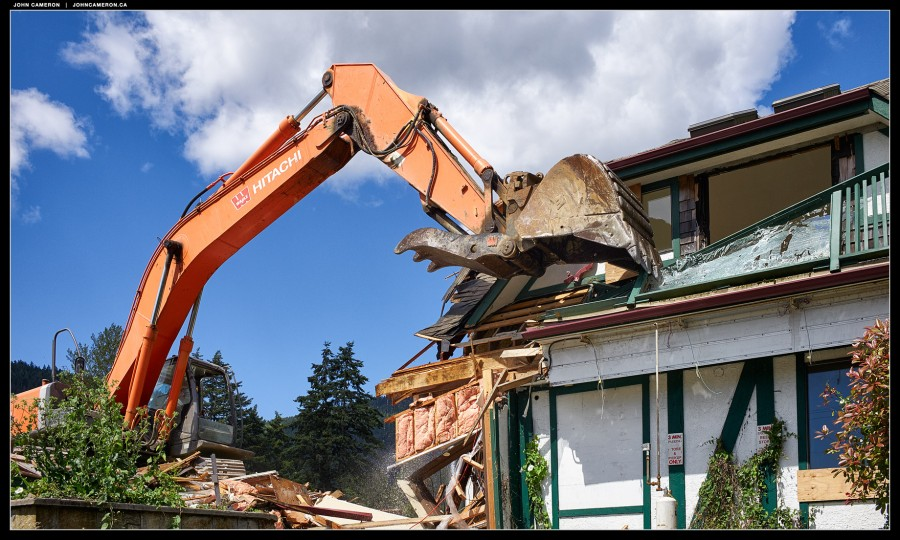Fulford Inn Demolition 1
